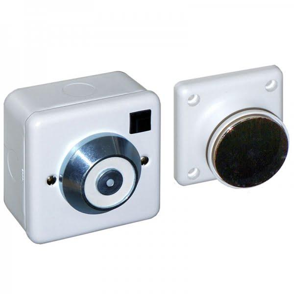 240 volt Door Retainer - Door Hold Open Magnet